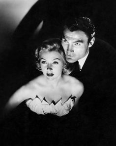 SUDDEN FEAR - Ambitious actor and his mistress (Jack Palance & Gloria Grahame) plot to kill actor's playwright wife (Joan Crawford) - Directed by David Miller - RKO-Radio Pictures - Publicity Still. Hollywood Stars, Classic Hollywood, Old Hollywood, Hollywood Icons, Jean Harlow, Rita Hayworth, Le Vent Se Leve, Gloria Grahame, Jack Palance