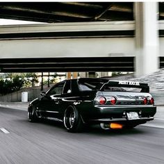 """boostlust: """" GTR IF you want more JDM and fast cars on your feed daily, please… Nissan Skyline Gtr R32, R32 Skyline, R32 Gtr, Nissan 300zx, Tuner Cars, Jdm Cars, Cl 500, Porsche 968, Muscle Cars"""