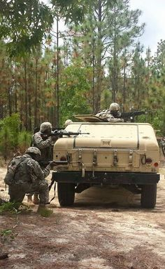 #USArmy Soldiers, assigned to Delta Company 3-34th Infantry Regiment ,  conduct traffic control point operations during their final field training exercise before graduating Basic Combat Training, Fort Jackson, South Carolina, May 27, 2015.   U.S. Army photo by Debra Asplin