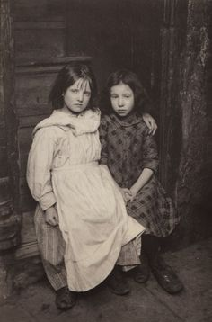 vintage everyday: 30 Astonishing Portraits of London Street Children From the Early 1900s