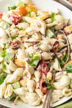 Easy Pasta Salad Recipe Easy Pasta Salad Recipe, Salad Recipes Video, Easy Pasta Recipes, Chicken Salad Recipes, Healthy Recipes, Appetizer Recipes, Healthy Foods, Dinner Recipes, Healthy Eating