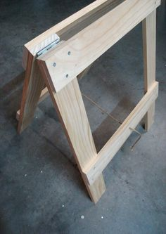 Trestle table legs - for study table? Woodworking Projects Diy, Diy Wood Projects, Wood Crafts, Woodworking Plans, Key Projects, Woodworking Quotes, Sawhorse Plans, Folding Sawhorse, Trestle Table Plans