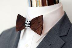 Crisscross Wood Bow Tie Sie inetessieren sich für den einzigartigen Gentleman Look? Schauen Sie im Blog vorbei www.thegentlemanclub.de