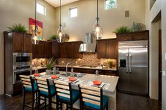 Transitional Kitchen Cabinets Kitchen Design Ideas, Pictures, Remodel and Decor Decorating Above Kitchen Cabinets, Above Cabinets, Beautiful Home Designs, Kitchen Family Rooms, Transitional Kitchen, Kitchen Design, Kitchen Ideas, Kitchen Pictures, Home Interior Design