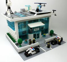 https://flic.kr/p/qVJswE | LEGO Police Station | LAPD enjoys their new contemporary Police Station.  Designed by BrickPolice | #LegoPoliceStation  ■ Enjoy Brick Police on Facebook | Instagram | YouTube  | Twitter ■