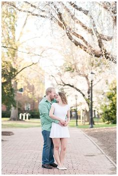 A Sweet Spring Engagement Session At UNC Chapel Hill | Michelle Robinson Photography