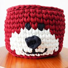 Ana Lumiar - Crochet Designer (@analumiarcrochet) | Instagram photos and videos Handmade Christmas Gifts, Christmas Crafts, Vestidos Bebe Crochet, Christmas Crochet Patterns, Tapestry Crochet, T Shirt Yarn, Crochet Fashion, Learn To Crochet, Crochet Designs