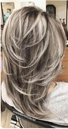 """40 Stunning White Hair Color Ideas in In the words of Los Angeles-based ha. - - 40 Stunning White Hair Color Ideas in In the words of Los Angeles-based hairstylist Jessica Jewel, """"Sometimes you just need your hair to be as c. Medium Hair Styles, Curly Hair Styles, Gray Hair Highlights, Haircut And Color, Volume Haircut, Feathered Hairstyles, Hair Lengths, New Hair, Hair Cuts"""