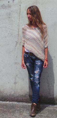main de caramel poncho Poncho beige womens poncho en tricot