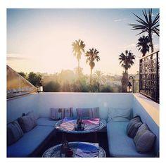 """128 Synes godt om, 7 kommentarer – Zwin' Zwin' Café MARRAKECH (@zwinzwincafe) på Instagram: """"The very best view by @fraeulein_meise #zwinzwincafé #marrakech #medina #rooftop #terrasse #terrace…"""""""