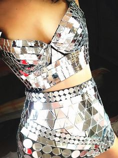 New style Hot-selling handmade gold reflective lens costume ds sequins bra and short light stage show style bodysuit