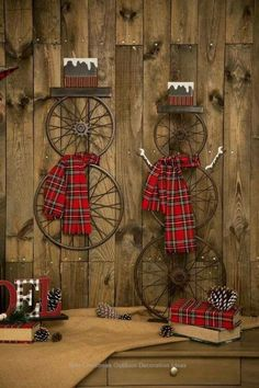 Spruce up the outside of your house with outdoor Christmas decorating ideas. Have a look at these ideas for outdoor Christmas decorations. Outdoor Christmas, Rustic Christmas, Winter Christmas, All Things Christmas, Christmas Wreaths, Christmas Design, Christmas Christmas, Christmas Island, Cool Christmas Ideas