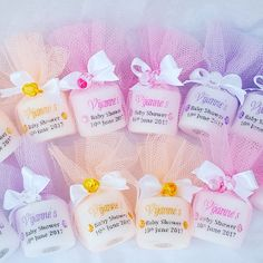 Personalised baby shower candle favours wrapped in tulle. All colours available. Baby Shower Goodie Bags, Baby Shower Candle Favors, Personalized Baby Shower Favors, Baby Shower Favors Girl, Baby Shower Niño, Personalised Baby, Baby Shower Parties, Baby Shower Gifts, Baby Gifts