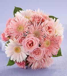 Ramo de novia de margaritas y rosas en color rosa