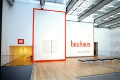 Bauhaus Workshops for Modernity. D: MoMA Department of Advertising and Graphic Design Exhibition Banners, Museum Exhibition Design, Exhibition Space, Design Museum, Environmental Graphic Design, Environmental Graphics, Moma, Bauhaus, Signage Display