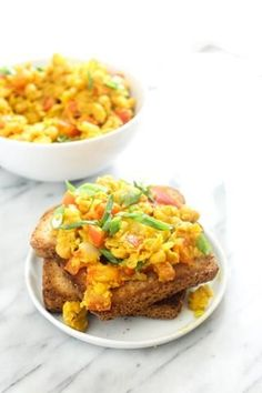 Chickpea Scramble Eggs High Protein Vegan Breakfast, Alkaline Breakfast, Healthy Breakfast Recipes, Healthy Lunches, Cream Recipes, Vegan Recipes, Protein Recipes, Vegan Food, Vegan Yogurt
