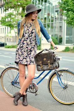 Great vintage and modern style, perfect for spring! Women's teen vintage fashion clothing outfit
