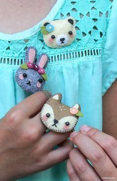 DIY Mini Felt Animal Hair Accessories from MichaelsMakers Lia Griffith #feltanimalsdiy