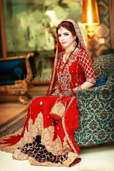 Latest Pakistani & Indian Best Wedding Dresses and Bridal Gowns for Women  (11)