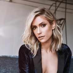48 Stunning Fall Hair Color Ideas 2018 Trends: So long, Summer! The leaves are changing, and so should your hair! Changing your hair color to capture the beauty … Brown Ombre Hair, Ombre Hair Color, Blonde Ombre, Kristin Cavallari Hair, Medium Hair Styles, Short Hair Styles, Undercut Designs, Girls Short Haircuts, Oval Face Haircuts Short