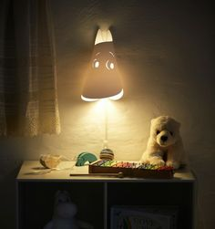 Went shopping today and stumbled upon this cool Mumitrold lamp by Le Klint. I used to love those characters as a child.