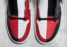 """#sneakers #news  Air Jordan 1 """"Homage To Home"""" Sample Combines Banned And Chicago Into One Shoe"""