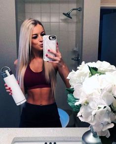 Famme - Women's Sportswear for the Gym, Yoga and Running - Insta @ famme for more amazing strong women in activewear from all around the world Fitness Motivation, Fit Girl Motivation, Athleisure Fashion, Athleisure Outfits, Body Inspiration, Fitness Inspiration, Fitness Goals For Women, Female Fitness, Karen