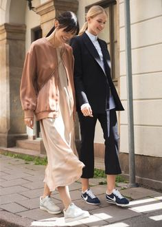 Street Style www.emfashionfile...