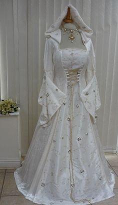 Unique Renaissance Style Wedding Dresses Check more at http://svesty.com/renaissance-style-wedding-dresses/