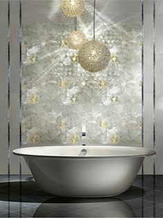 Ceramic wall tiles FOLLI FOLLIE - HYPNOTIC by @Ceramiche Brennero SpA #bathroom #flower #gold