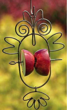 Handcrafted Owl Fruit & Suet Feeder is fun in the garden and great for birds! Feed suet in winter and fruit in summer for maximum bird attraction! Suet Bird Feeder, Hanging Bird Feeders, Wire Crafts, Wire Art, Garden Projects, Garden Art, Garden Birds, Garden Design, Bird Houses