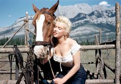 Get a rare new look at Marilyn Monroe with these never-before-seen photographs - The Week