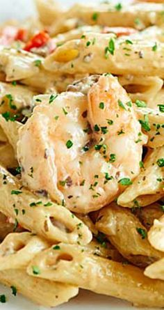 Easy Shrimp Alfredo ~ An impressive dish that's so easy to make... Penne pasta, shrimp, vegetables, and a creamy alfredo. Fish Recipes, Seafood Recipes, Cooking Recipes, Healthy Recipes, Shrimp Dishes, Pasta Dishes, Penne Pasta Recipes, Seafood Pasta, Gastronomia