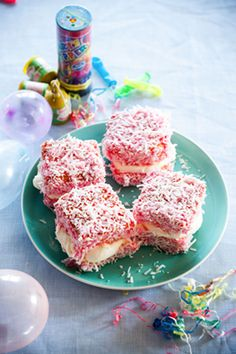 Strawberry Lamingtons, good old kiwi frav! Easy Sponge Cake Recipe, Lamingtons Recipe, Baking Recipes, Cake Recipes, Marshmallow Peeps, Jelly Cake, Australian Food, Homemade Marshmallows, Man Food
