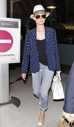 Diane Kruger's chic travel outfit. Must copy.
