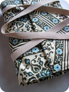 homemade by jill: Insulated Casserole Carriers