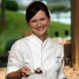 Fresh Scandinavian Finds   http://www.luluhypermarket.com/GoodLife/mind-boggling-desserts-by-chef-nadja-hartl-zzfod33.html