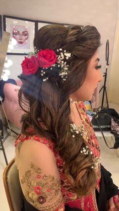 Pakistani Bridal Makeup Hairstyles, Mehndi Hairstyles, Indian Hairstyles, Diy Hairstyles, Pretty Hairstyles, Hairdo Wedding, Long Hair Wedding Styles, Bush Wedding, Formal Hairstyles For Long Hair