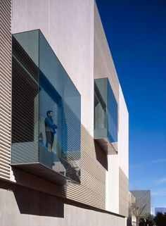 glass box windows - Instituto Andaluz de Biotecnología