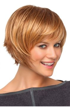 Cute Short Blonde Hair with Side Swept Bangs - PoPular Haircuts Medium Short Haircuts 2016, Short Blonde Haircuts, Layered Bob Hairstyles, Cute Hairstyles For Short Hair, Short Hair Cuts For Women, Pretty Hairstyles, Blonde Hairstyles, Hairstyles Videos, Pixie Haircuts