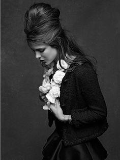 La chaquetita negra de Chanel//Carlota Cassiraghi