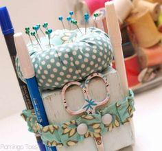 Cute Little Sewing Tool Caddy -Flamingo Toes ༺✿ƬⱤღ  http://www.pinterest.com/teretegui/✿༻
