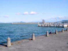 """淡海なでしこ百景のピンをフォローする 大津なぎさ公園から見た琵琶湖岸と空のフリー素材写真は大津市の琵琶湖畔にあるなぎさ公園付近で撮影した写真素材です。[ddownload id=""""219"""" text="""