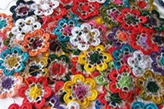 Flowers from metal eyelets from cans