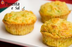 Receita de Muffin de cenoura e abobrinha Zucchini Muffins, Food Porn, Appetizer Recipes, Love Food, Vegan Recipes, Food And Drink, Yummy Food, Favorite Recipes, Snacks