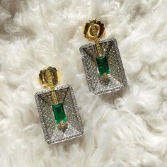 All the glitz and all the gold in our Emerald and Diamond earrings handmade by Ricardo Basta Fine Jewelry | emerald earrings, the great gatsby