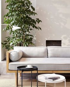 """Muxin brings the """"slowness"""" of living spaces to a Shanghai office. Love the simplicity Office Interior Design, Interior Exterior, Office Interiors, Interior Architecture, Interior Decorating, Home Living Room, Living Room Decor, Living Spaces, Sofa Design"""