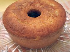 Bolo de Laranja - Quer coisa mais gostosa que chegar em casa e encontrar um bolo de laranja aconchegante como abraço de mãe? Não tem como resistir......