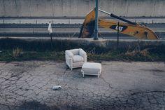 Cassina Chair by Le Corbusier. For SR Hughes Lc 2, Outdoor Furniture, Luxury Furniture, Outdoor Decor, Le Corbusier, Sun Lounger, Modern Design, Interior Design, Spring 2015