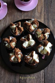 Lynara Cakes: Bolu Kukus Mekar (Soft Drink) Indonesian Desserts, Indonesian Food, Indonesian Recipes, Beignets, Bolu Cake, Muffins, Asian Cake, Roti Recipe, Cupcakes